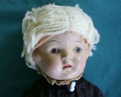 antiquedoll2.jpg