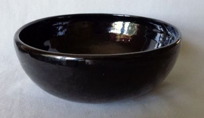 black pottery bowl 002.JPG