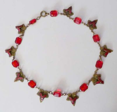 Red Glass Leaf Choker Boards 001.jpg
