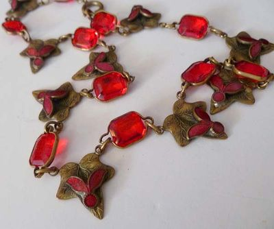 Red Glass Leaf Choker Boards 002.jpg