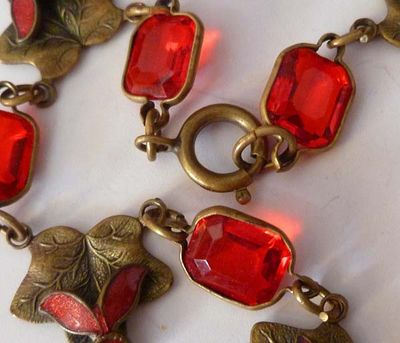 Red Glass Leaf Choker Boards 003.jpg