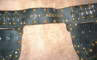 AA COLLECTIBLE ROY ROGERS HOLSTERS 2A RESIZED.jpg