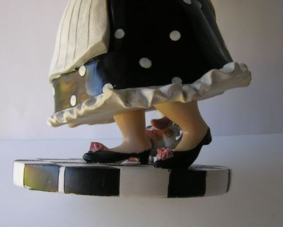 Maid Figurine 5.jpg