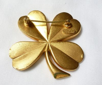 chanel 4 leaf clover brooch1.jpg
