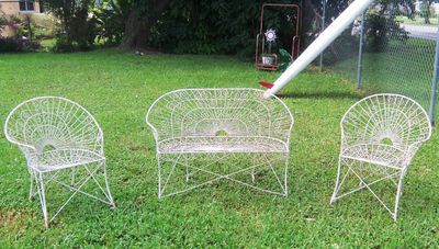 AA EBAY NEW A PATIO SET FRENCH BENT WIRE 1AAA RESIZED.jpg