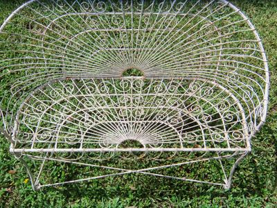 AA EBAY NEW A PATIO SET FRENCH BENT WIRE 4AA RESIZED.jpg