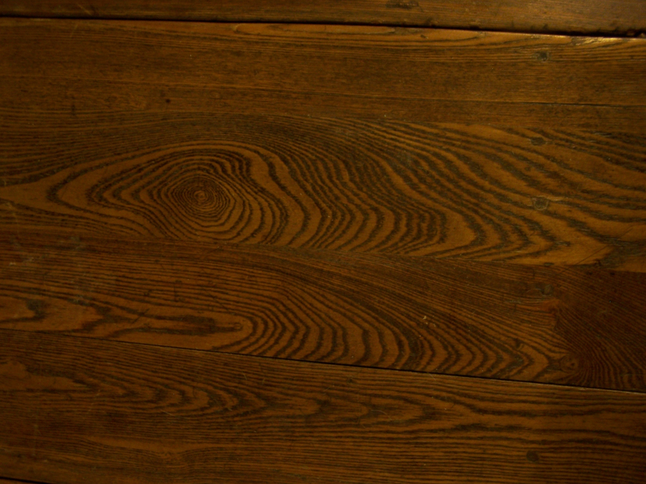 Here Are Some Pics Of The Wood Grain And The Table. Terrible Pic Of . Full resolution  portrait, nominally Width 2576 Height 1932 pixels, portrait with #412101.