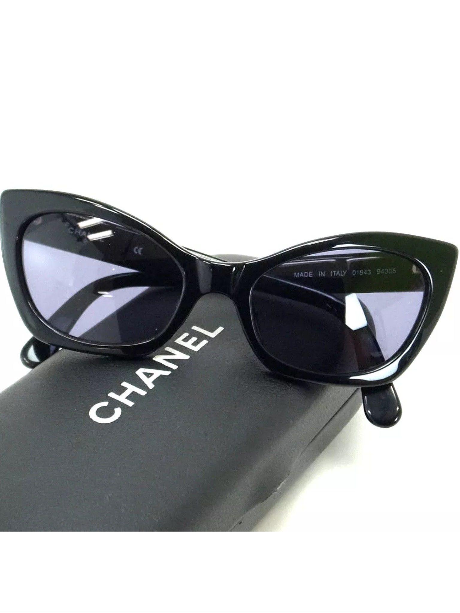 44b95437ad852 Can someone tell me if this pair of Chanel sunglas... - The eBay ...