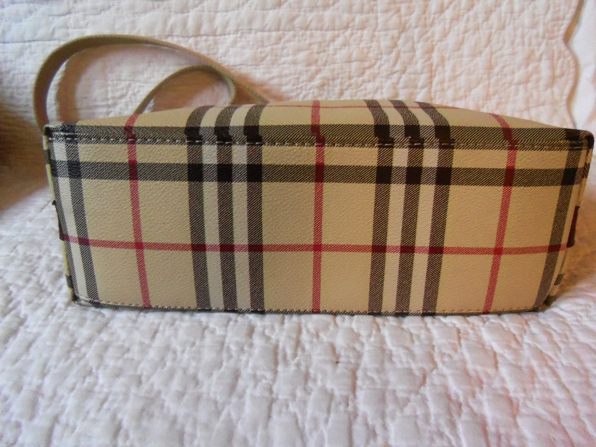 Do they make fake Burberry bags? - The eBay Community