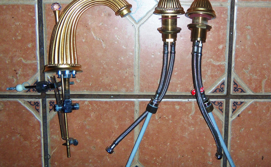 CAN ANYONE TELL ME ABOUT GOLD & CRYSTAL FAUCET SET... - The eBay ...