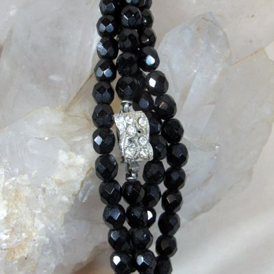 blong black glass bead necklace clasp.jpg