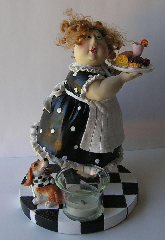 Maid Figurine 1.jpg