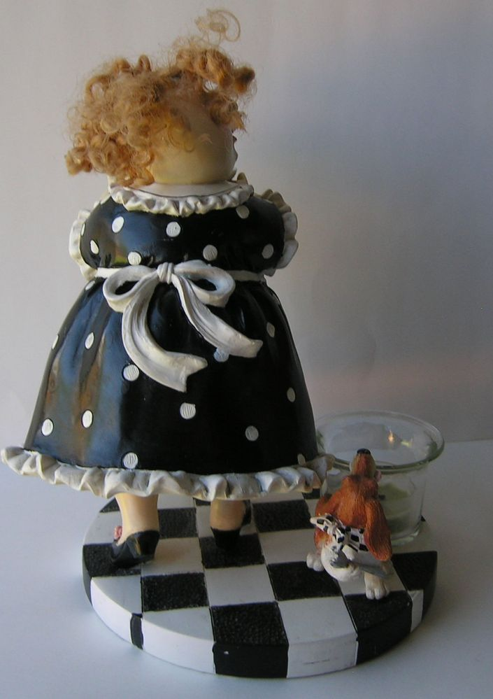 Maid Figurine 2.jpg