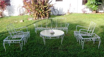 AA EBAY NEW A PATIO SET 1AA resized.jpg