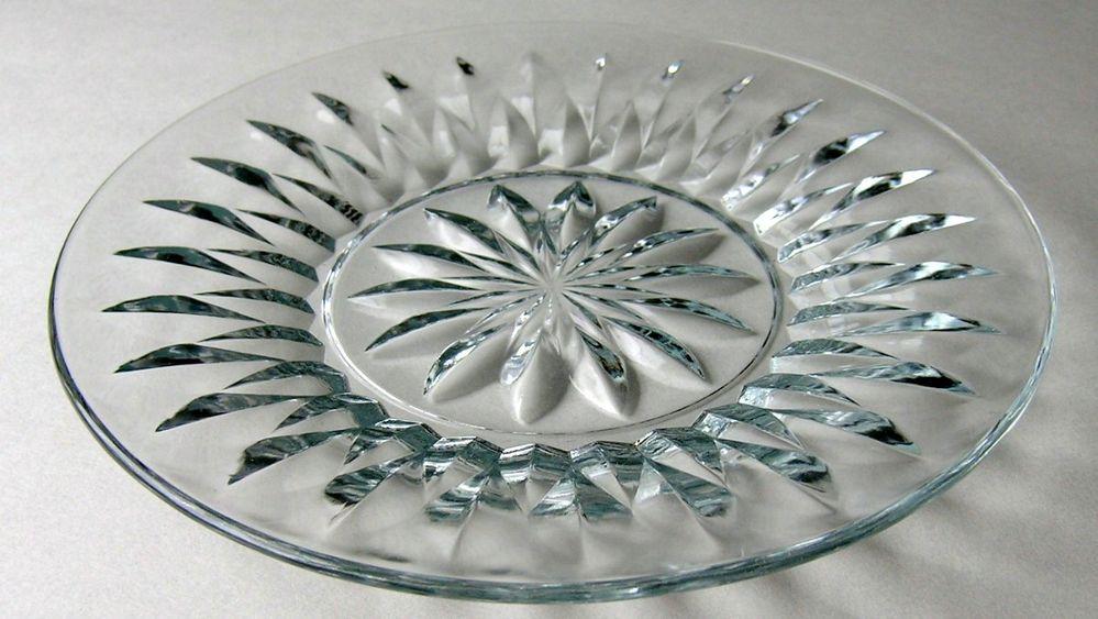 7 Luncheon Plates Unknown Pattern 2.jpg