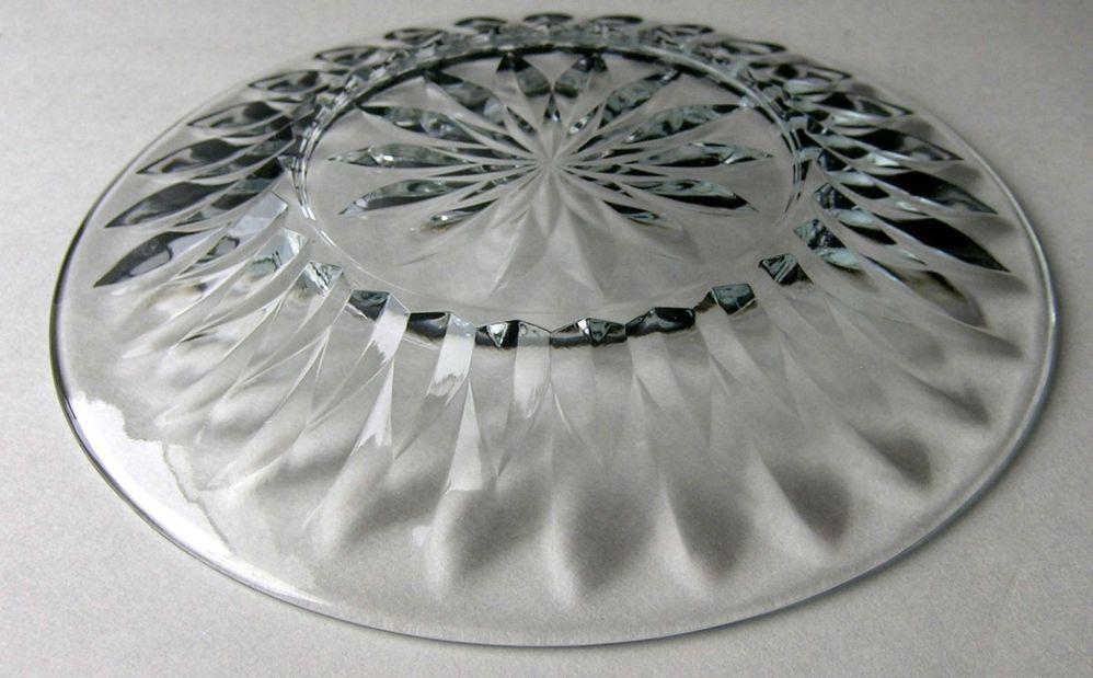 7 Luncheon Plates Unknown Pattern 3.jpg